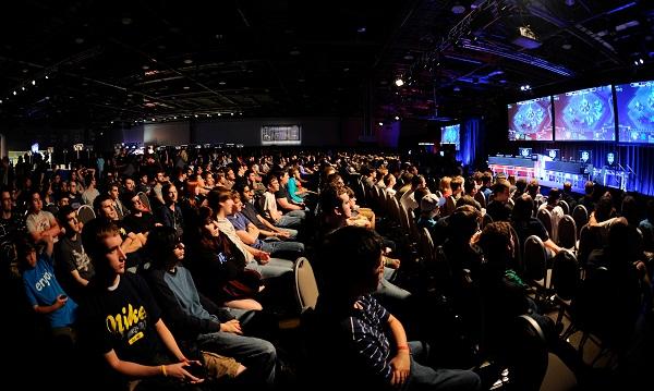 Zuschauer bei einem Starcraft II Turnier. Quelle: Wikipedia