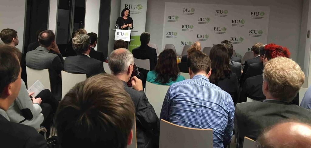 Die Parlamentarische Staatssekretärin beim Bundesminister für Verkehr und digitale Infrastruktur, Dorothee Bär, beim Talk@BIU in Berlin.