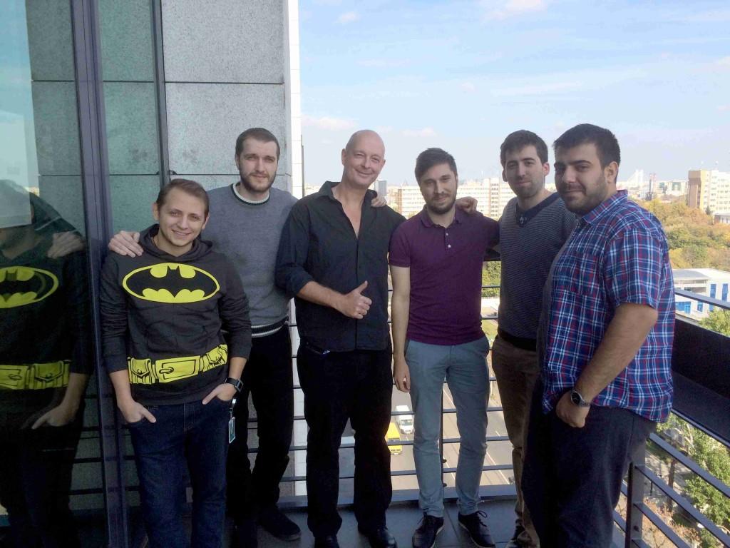 Ein Teil des Teams hinter der FIFA Datenbank von EA mit Michael Müller-Möhring